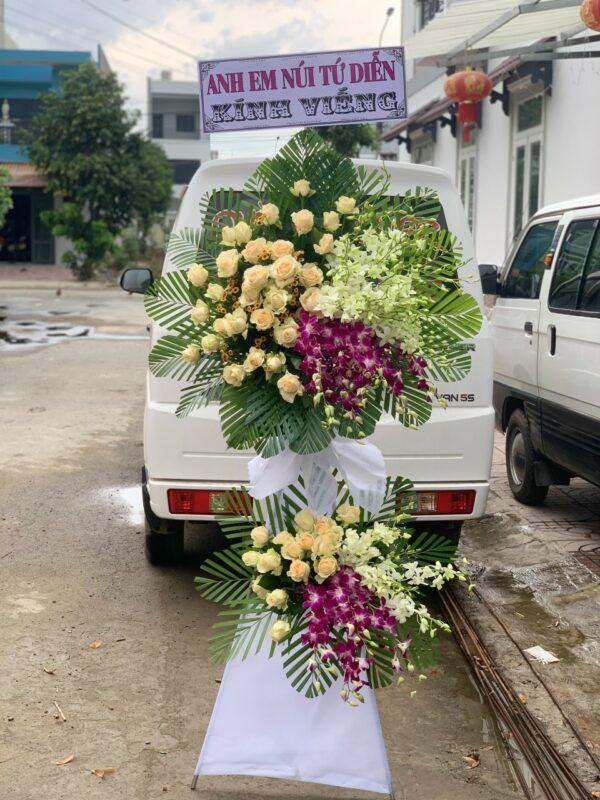 Lẵng Hoa Đám Tang Gia Kiệm